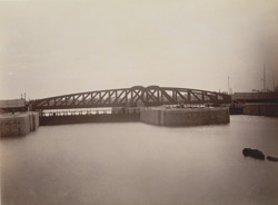 Calcutta Docks - Swing Bridge at entrances 4623